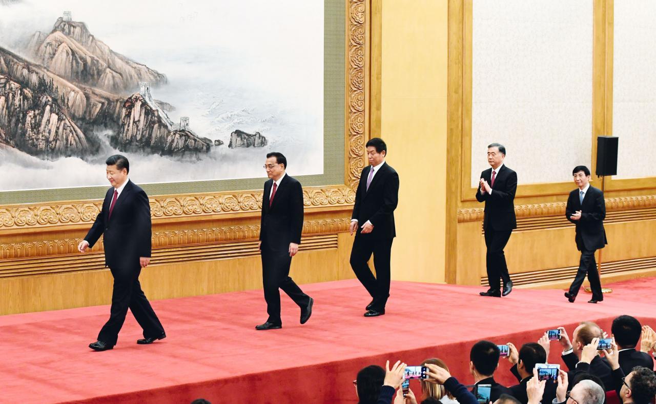 觀乎新一屆中央政治局常委的名單,習近平很可能多做十年。