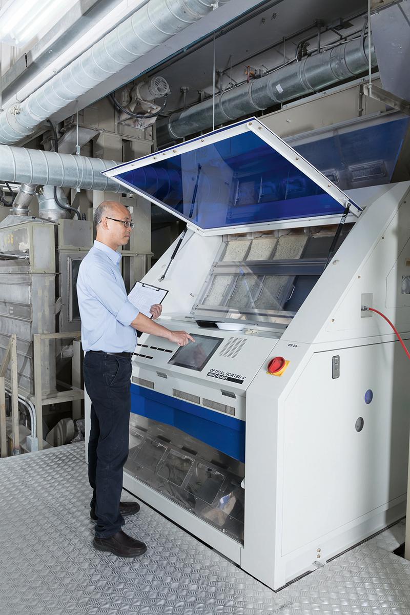 集團近期引入自動化生產,維持優良品質,提升生產效率。
