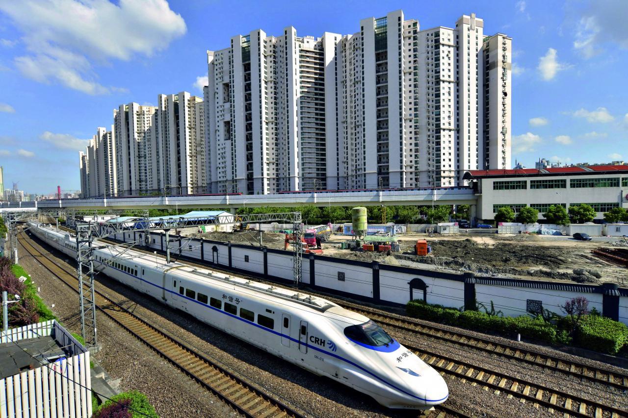 低碳交通如鐵路建設是中國綠債的最大募集資金用途類別,佔上半年總發行量的百分之三十七。