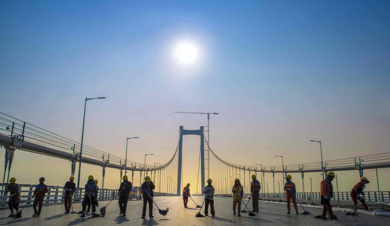 南沙大橋歷五年多時間竣工,完善大灣區交通網絡。