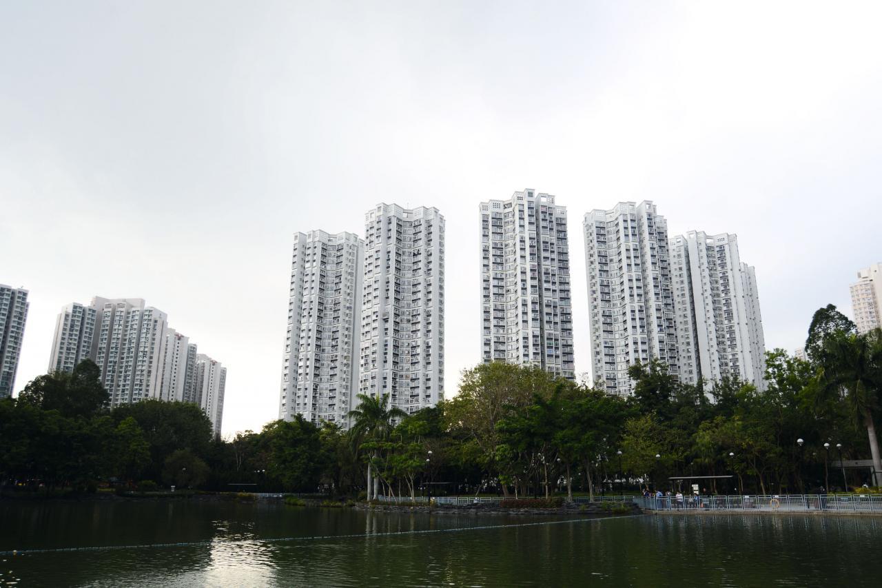 嘉湖山莊美湖居單號車位以144萬元沽出,刷新屋苑車位造價紀錄。