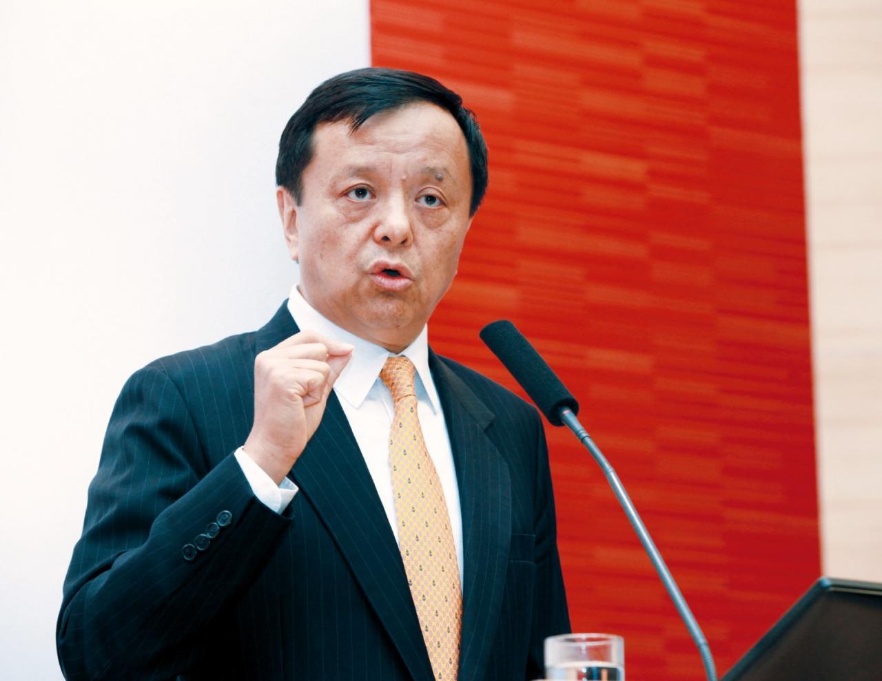 港交所行政總裁李小加積極為公司增加收入,有置投資者利益於不顧之嫌。