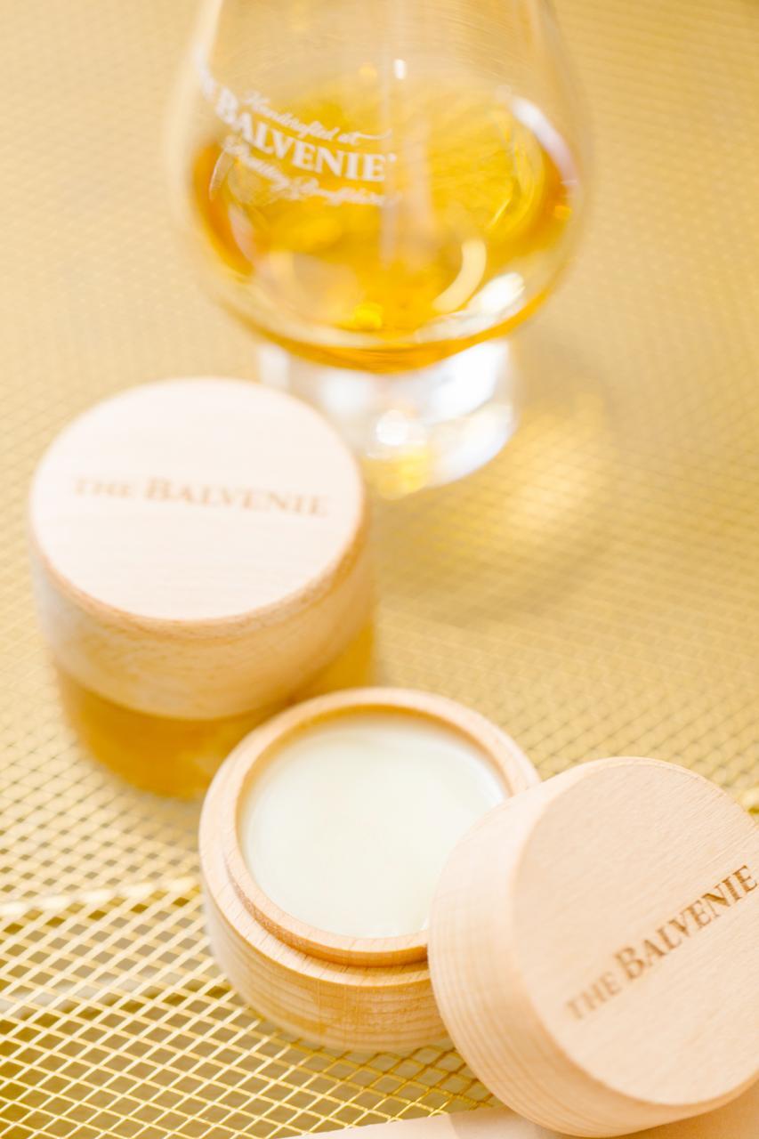 The Balvenie今次向「嗅覺」出發,聯乘本地手工香氣匠人,製作以THE BALVENIE為繆斯的個人專屬威士忌古龍膏。