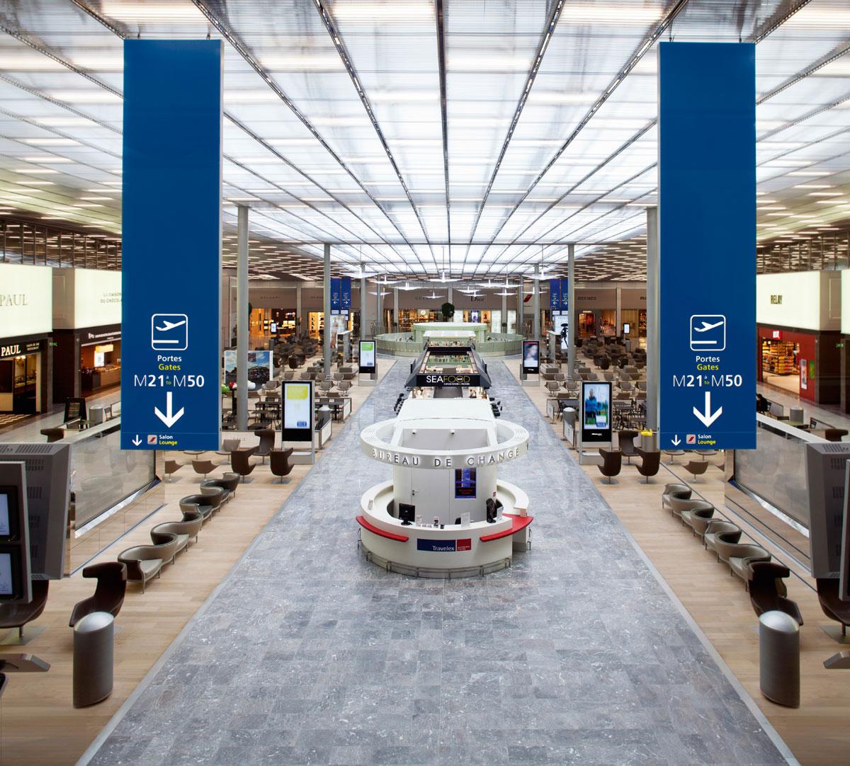 戴高樂機場將巴黎最為人熱愛的美食、時裝、法式生活文化以及藝術,以不同形式,精心呈現。