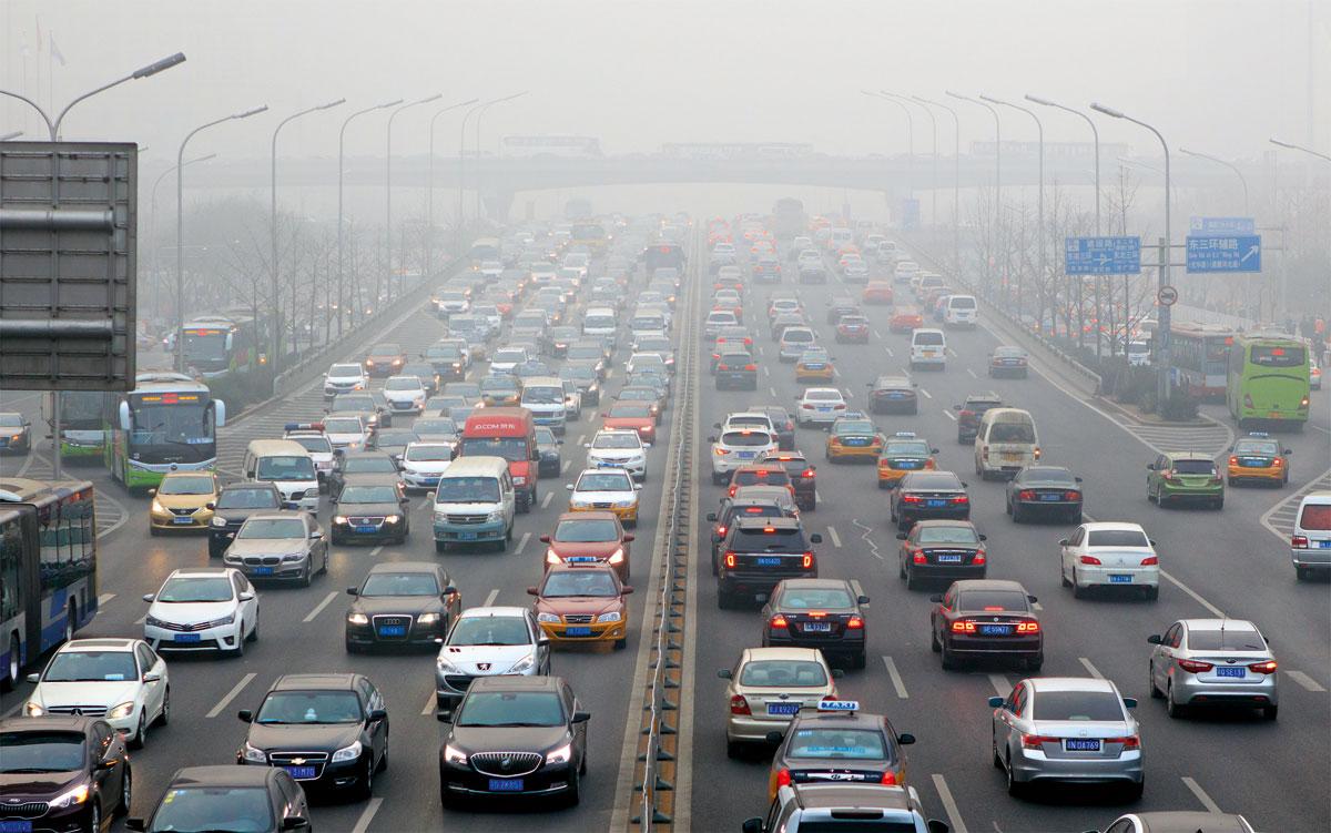 馬駿提到中國污染問題嚴重,需從能源結構、交通方式及產業結構做出源頭改變。