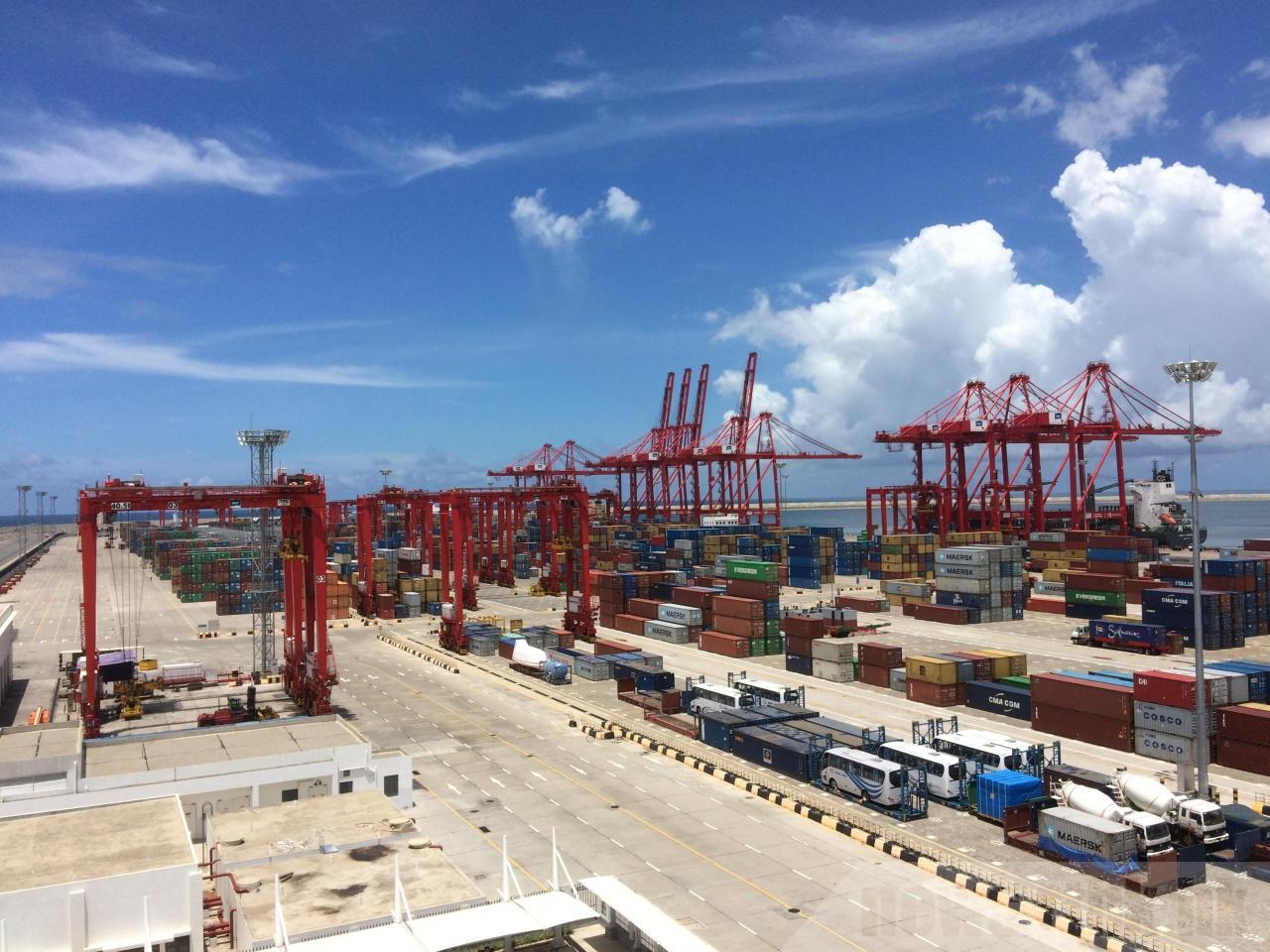招商局港口(0144)正籌劃旗下附屬公司深圳赤灣港航股份的重大資產重組,或將刺激股價上揚。