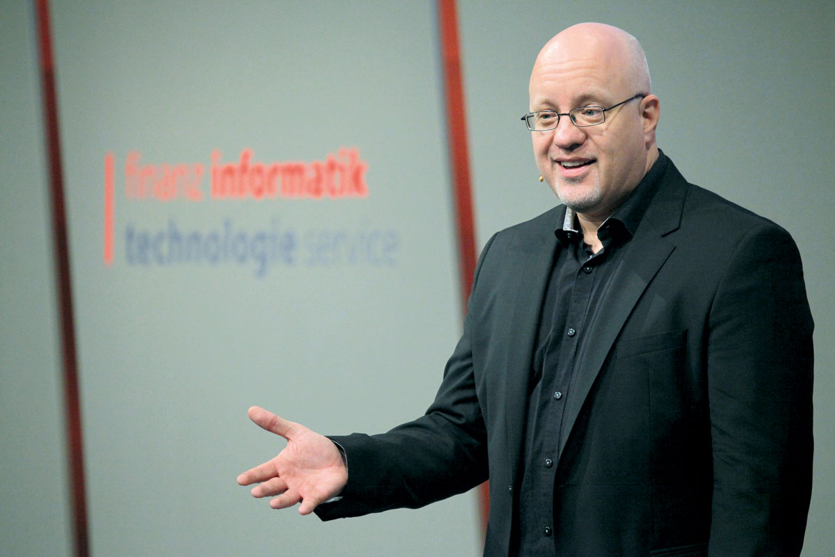 有「金融創新之父」之稱的 Brett King 最先提出「銀行3.0」概念。