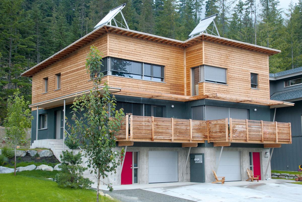 於加拿大卑詩省的被動式房屋,這種房屋幾乎不需要其他任何採暖措施,而是充分利用太陽能和人類活動產生的熱量。