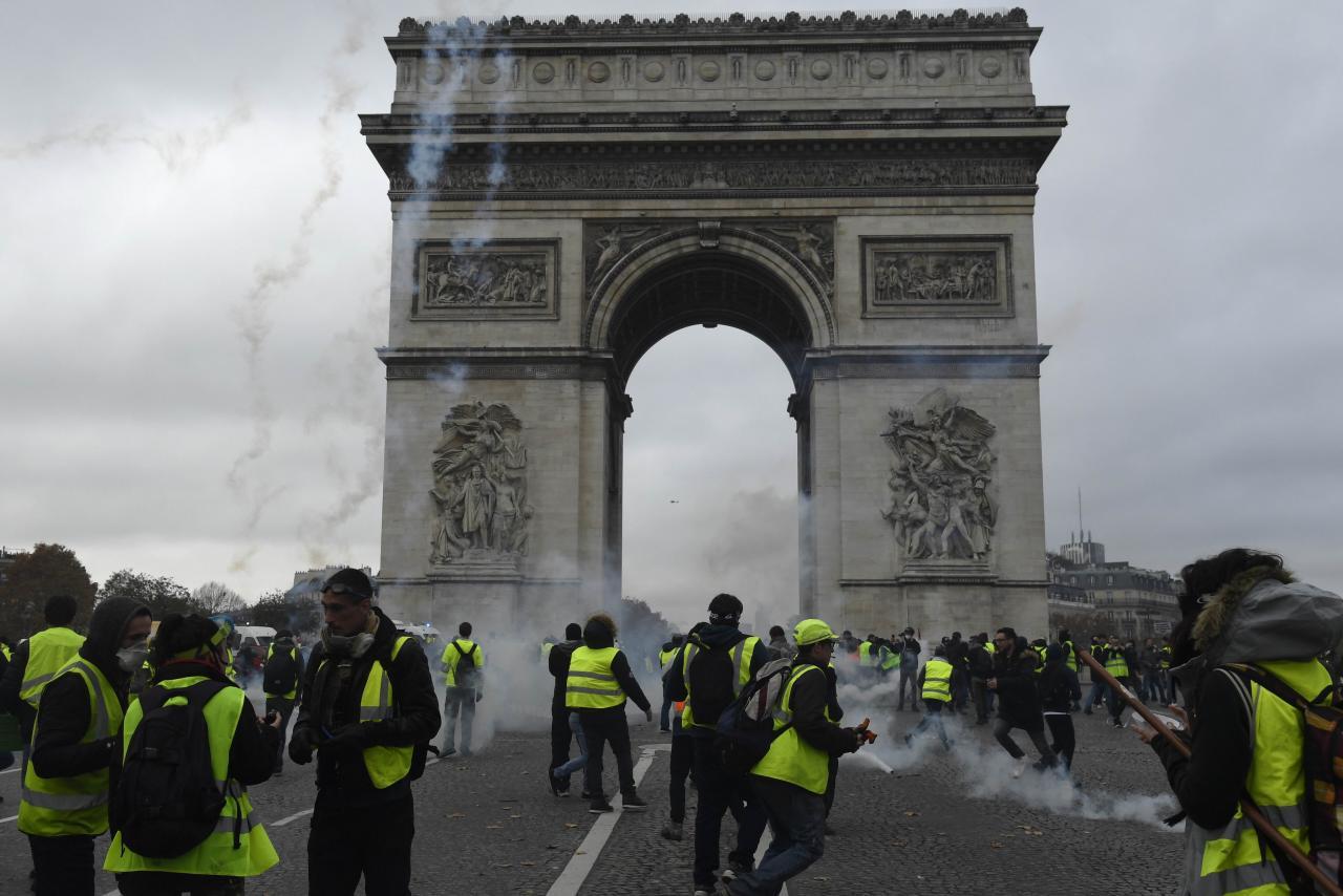 法國「黃背心運動」(Yellow Vest Movement)連續喧騰第五個周末。