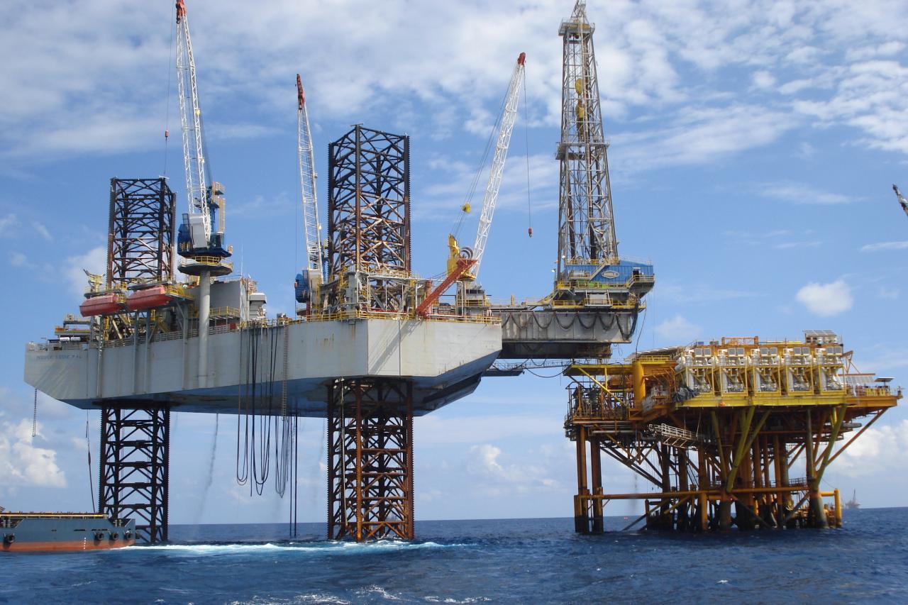 油價今年以來反覆上升,紐約期指更一度高見73美元。