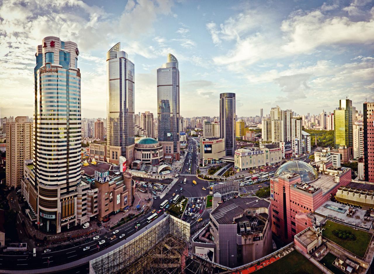有傳新地上海徐家匯項目交由哪一位第三代負責都出現意見分歧。