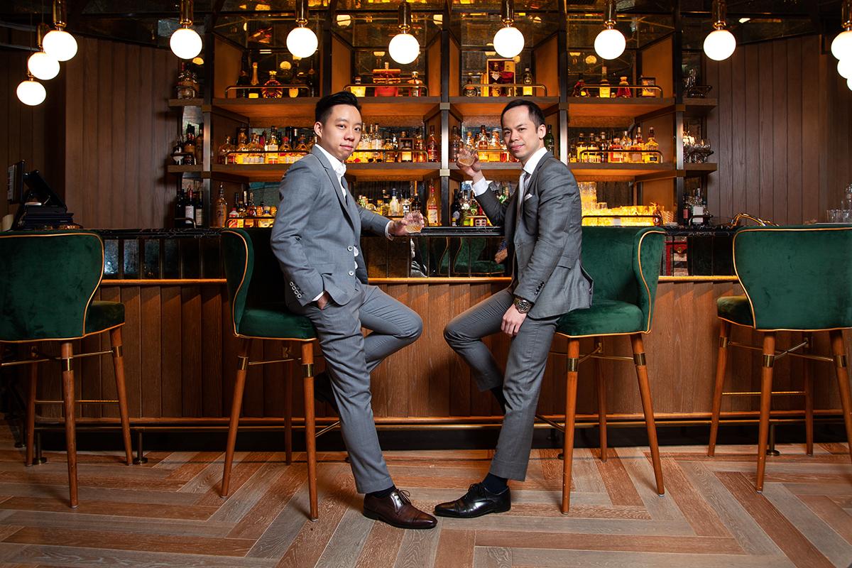 Shawn的合作伙伴鍾亦琛 (Kelvin)(左),是名符其實的日本通,工作當中涉獵日本貿易生意;而他也有在日本投資農地,用那地種植的稻米製作自家品牌的清酒。