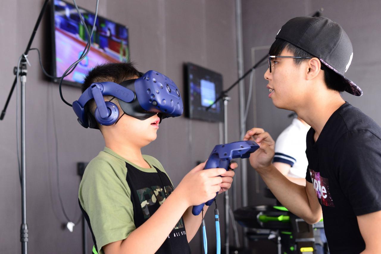 香港在科技發展上較週邊國家落後。