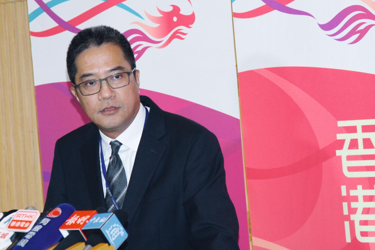 發展局局長黃偉綸表示,計及私人發展項目,新一季料提供3,950伙住宅供應。