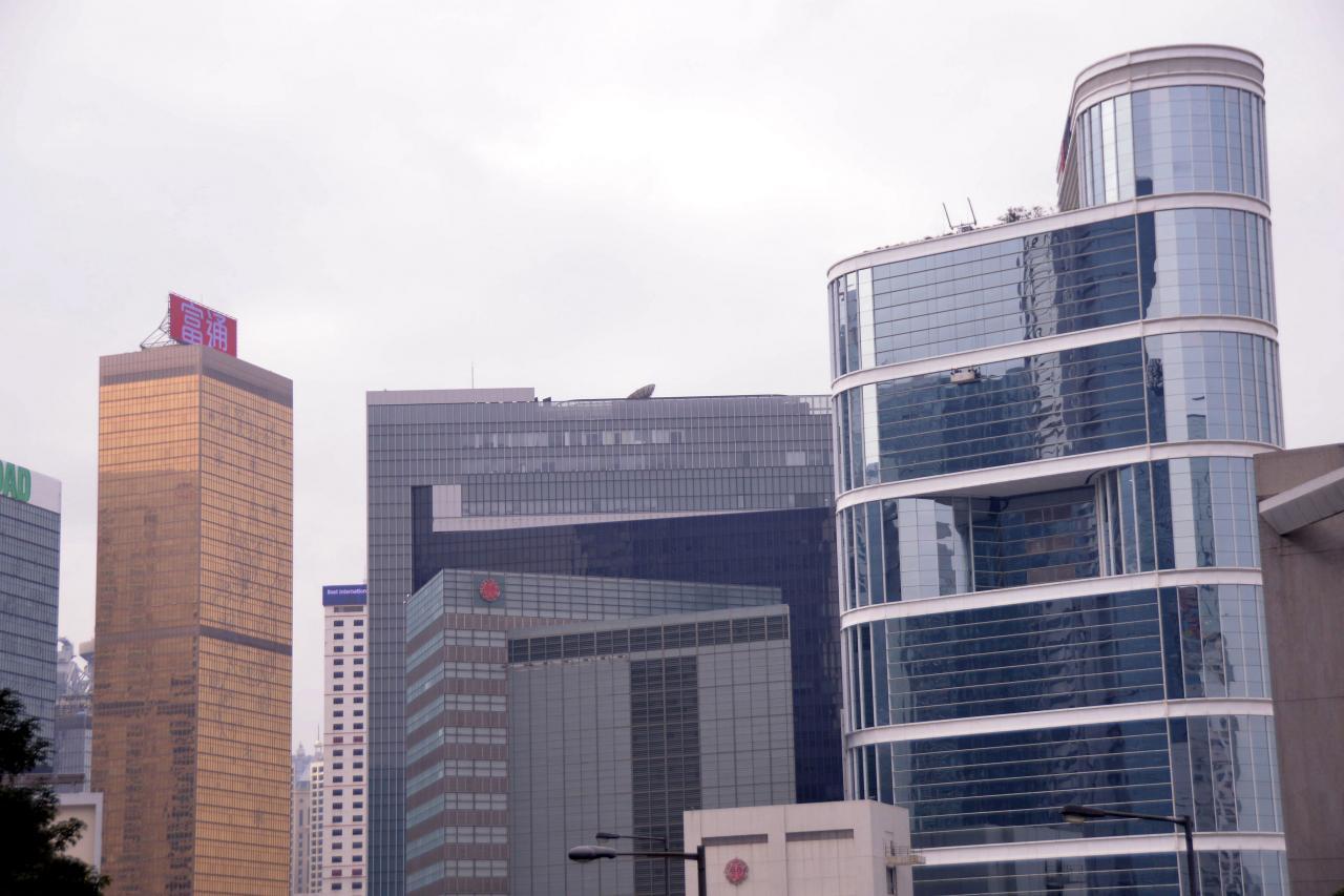去年商廈錄得2,046宗及375億元成交。