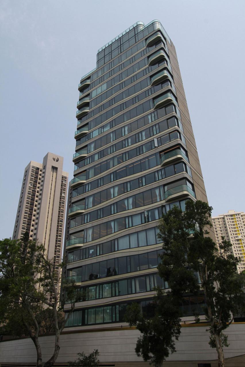 資本策略與泛海等合作的渣甸山白建時道單幢項目皇第,以坐落在港島傳統豪宅地段為賣點。