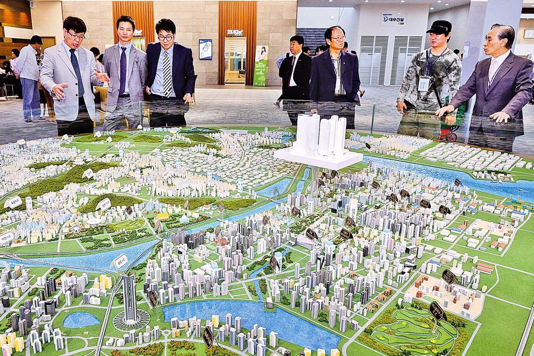 韓國鑑定院,去年底公布首爾最新房價,首爾市公寓平均價格達到7億238萬韓圜,超越日本東京。
