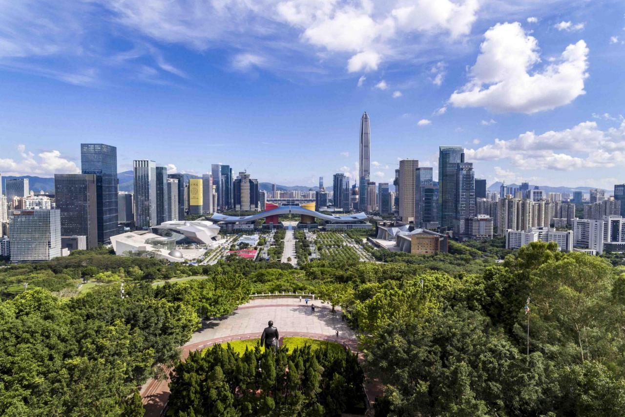 大灣區內地九市的GDP之冠為深圳,總量較肇慶多出十倍有多。
