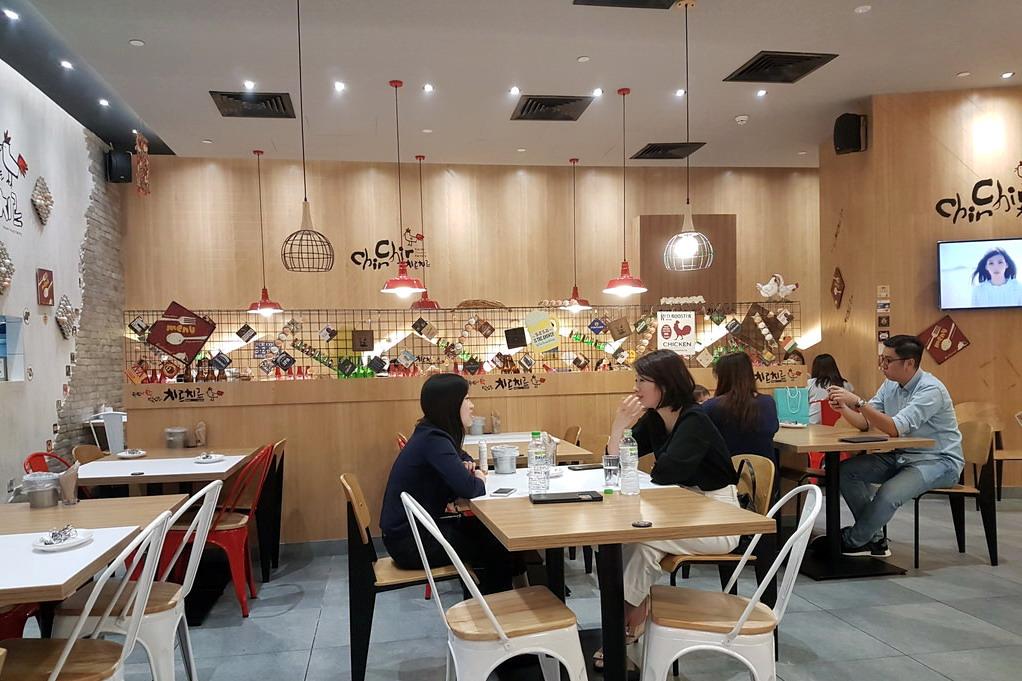 「Chir Chir」餐廳直接開店成本僅有數萬坡元,收支平衡期僅有一至兩個月。