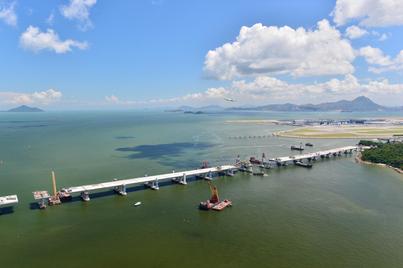 集團截至今年三月止年度收入達二點一億元,主要受港珠澳大橋承建商需求及向三跑承建商提供租船服務所帶動。