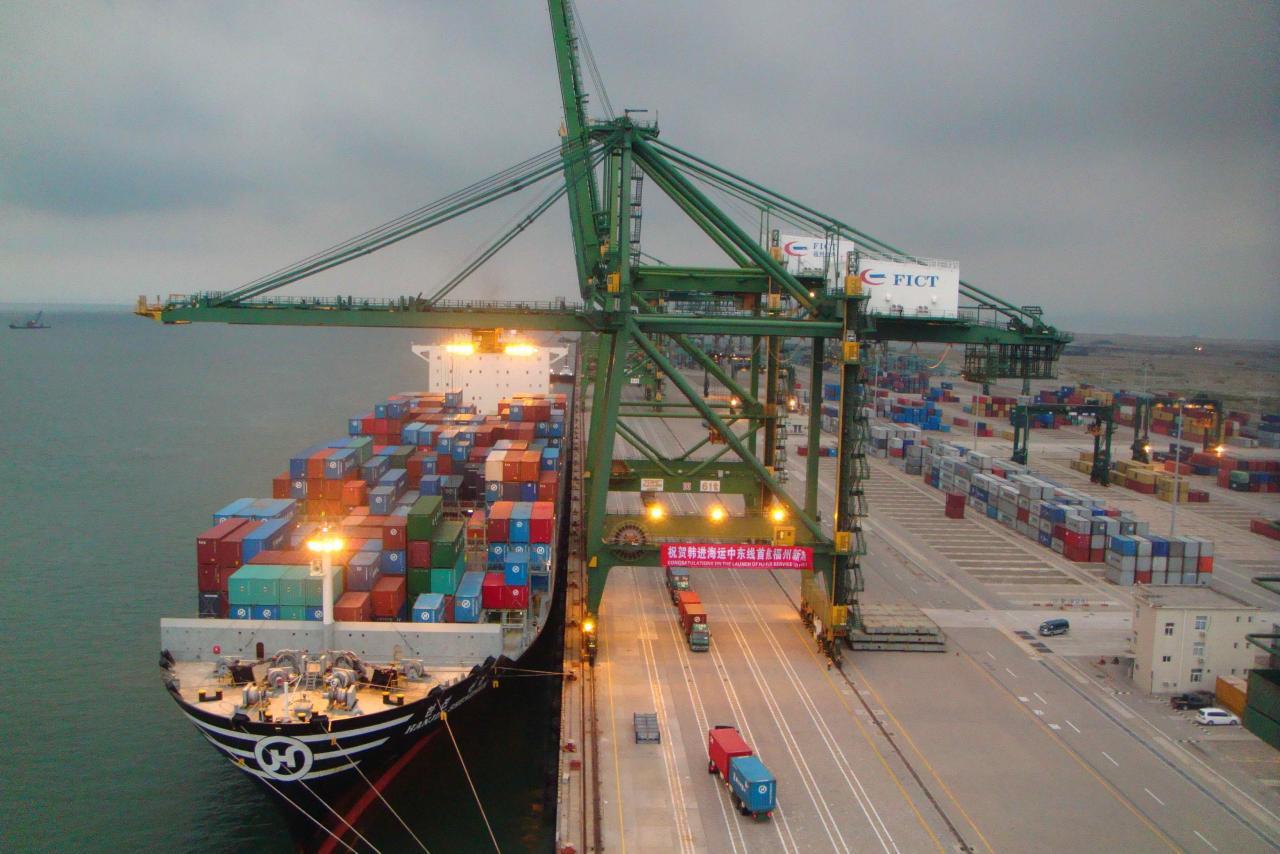 大灣區內的港口、船公司、物流企業實施鐵水聯運合作新模式。