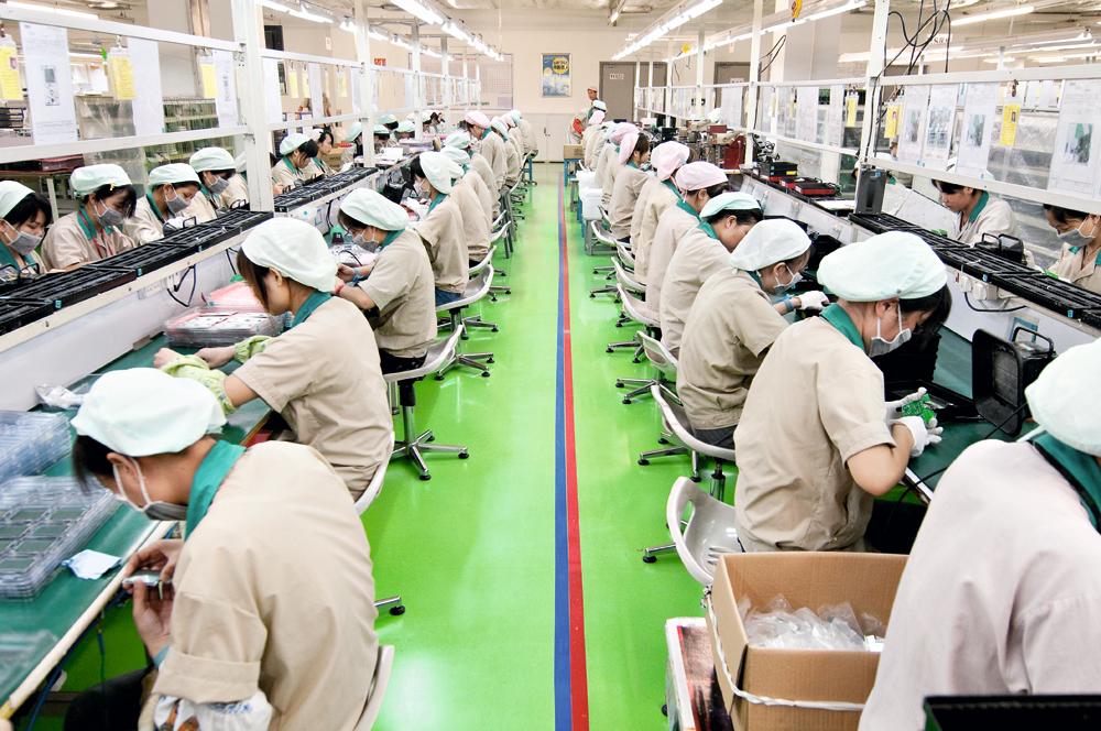 王氏港建數年前員工數目高峰期逾6,000人,工資成本大增。