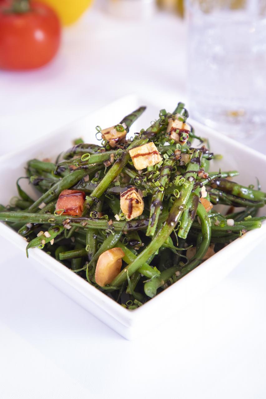 French Bean Salad with Foie Gras:糅合了兩種知名的法國食材——四季豆及鵝肝,再加上意大利香醋,清新與香濃的味道形成了強烈對比。