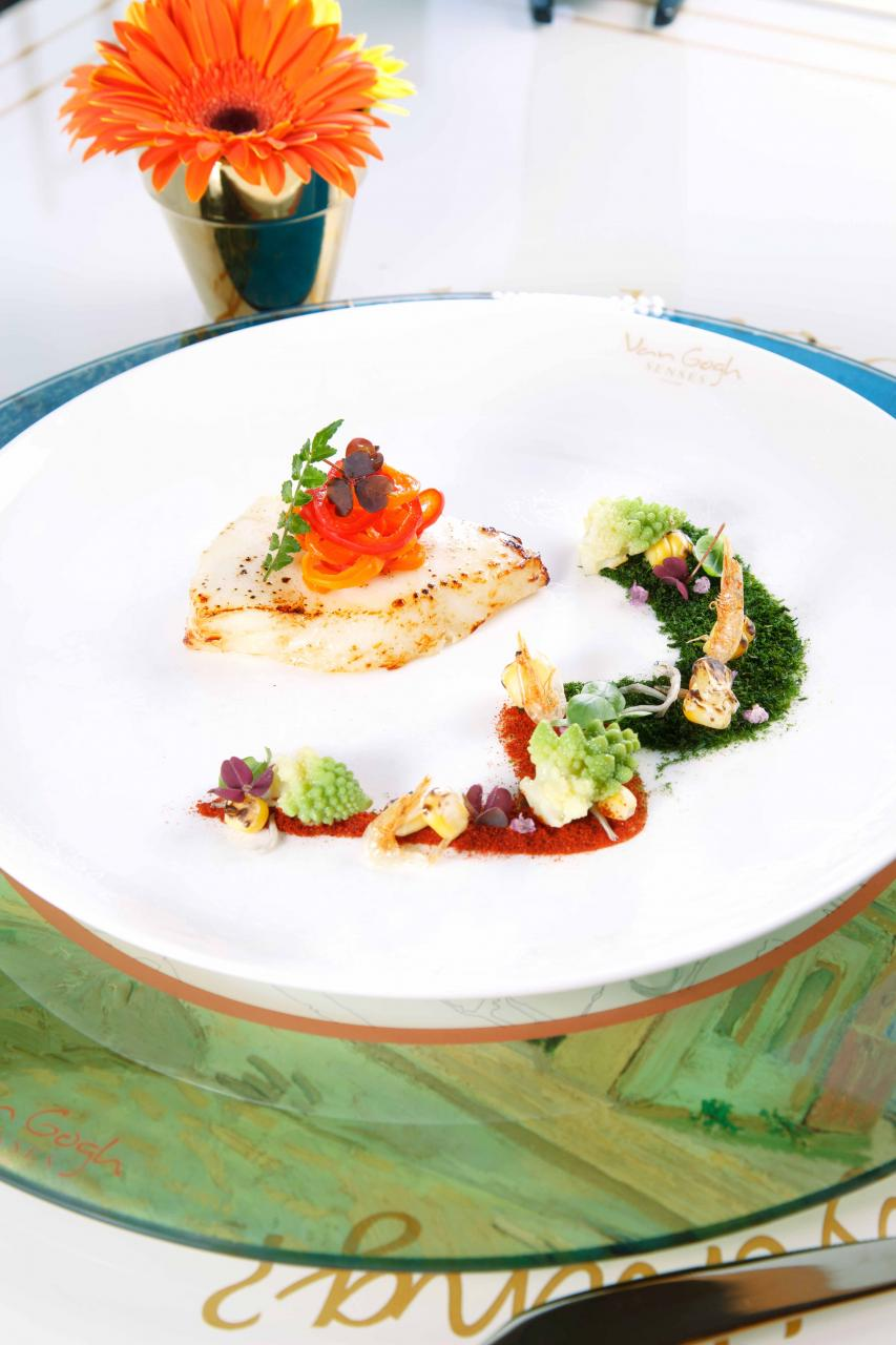 Miso COD Fish Holland Capsicum & Romanesco:產自智利的鱈魚肉質嫩滑,配以調味的日式麵豉醬,令鮮味大大提升,並且伴以荷蘭燈籠椒及意大利西蘭花,擺盤帶有日本浮世繪的風格。