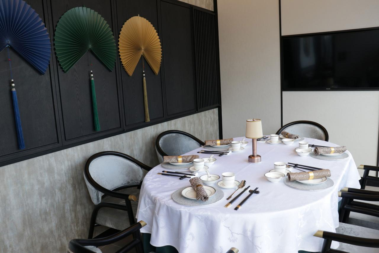 餐廳佔地4,400平方呎,並設有兩間貴賓房。