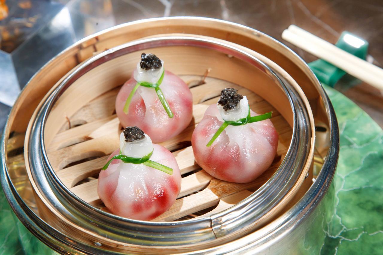 松露雜菜粿:蕭師傅的拿手點心之一,他採用了靈芝菇、冬菇、紅菜頭作餡料,再加上黑松露,菌香撲鼻,味道亦非常清新。