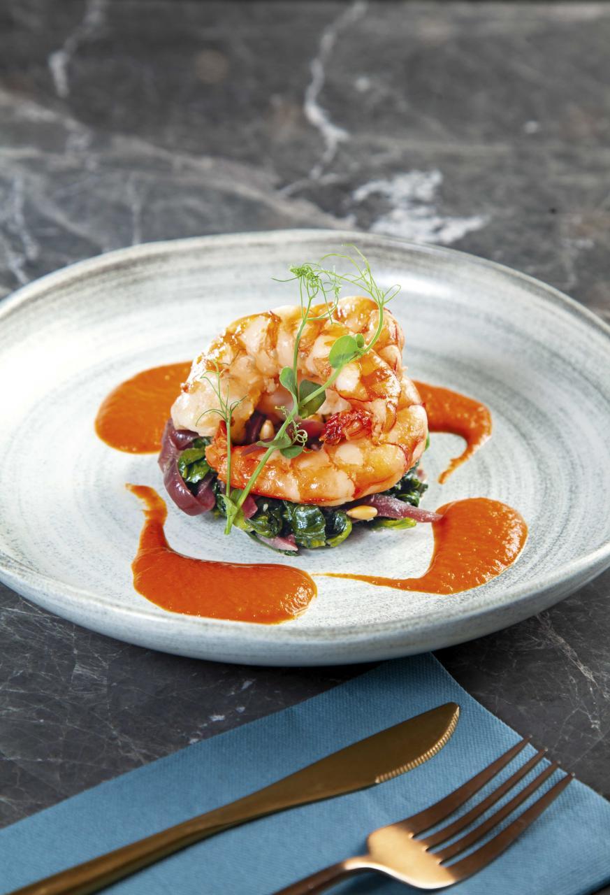 Seared King Prawns:選用鮮甜彈牙的太平洋虎蝦,搭配炒菠菜、松子仁、紅洋蔥,再伴以甜中帶點微酸的燈籠椒汁,讓虎蝦的鮮味發揮得淋漓盡致。
