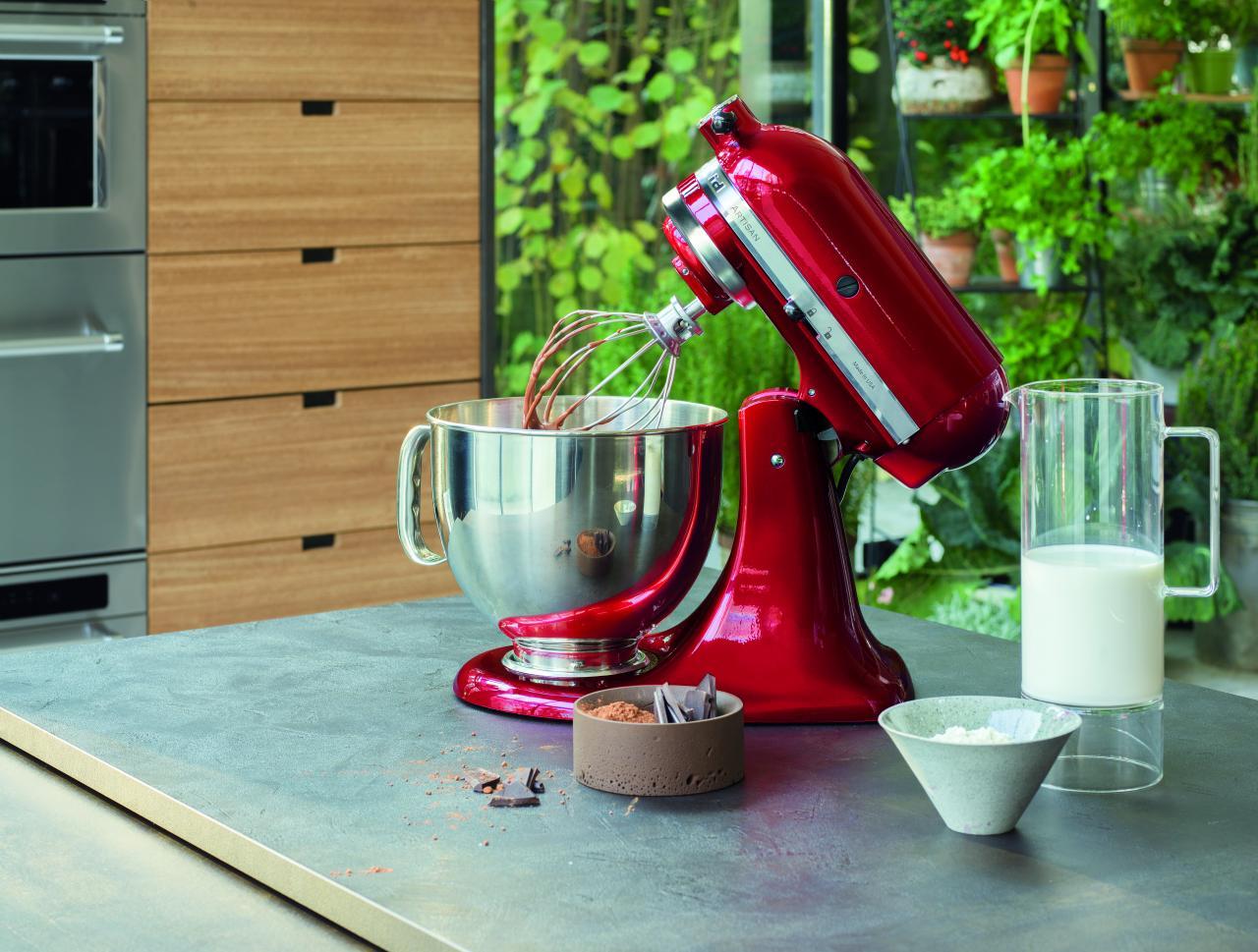 今次的馬卡龍製作,以KitchenAid廚師機作輔助。