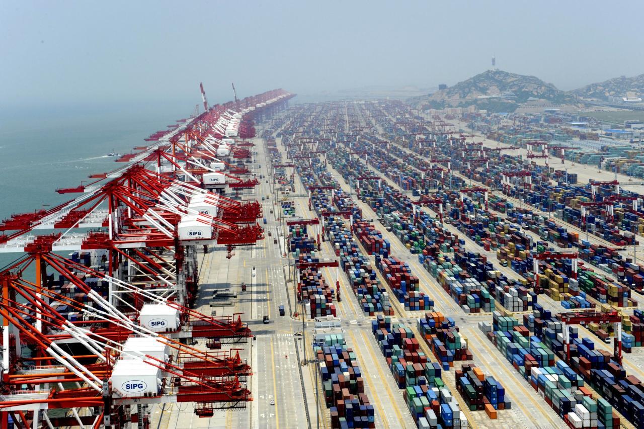 中美貿易戰未有緩和跡象,兩國經濟均受打擊。