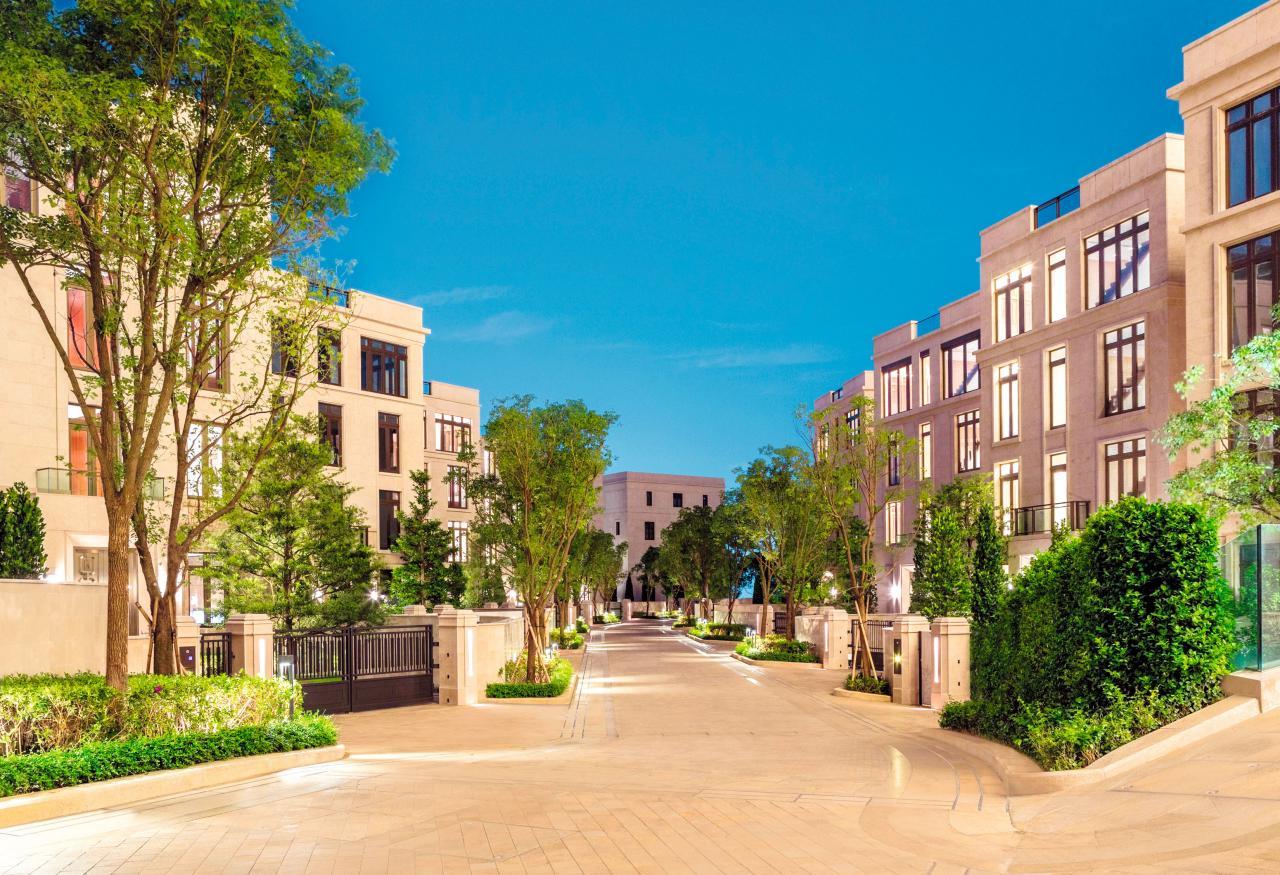 豪宅新貴山頂Mount Nicholson的出現,改寫不少富豪大宅的租值排名。