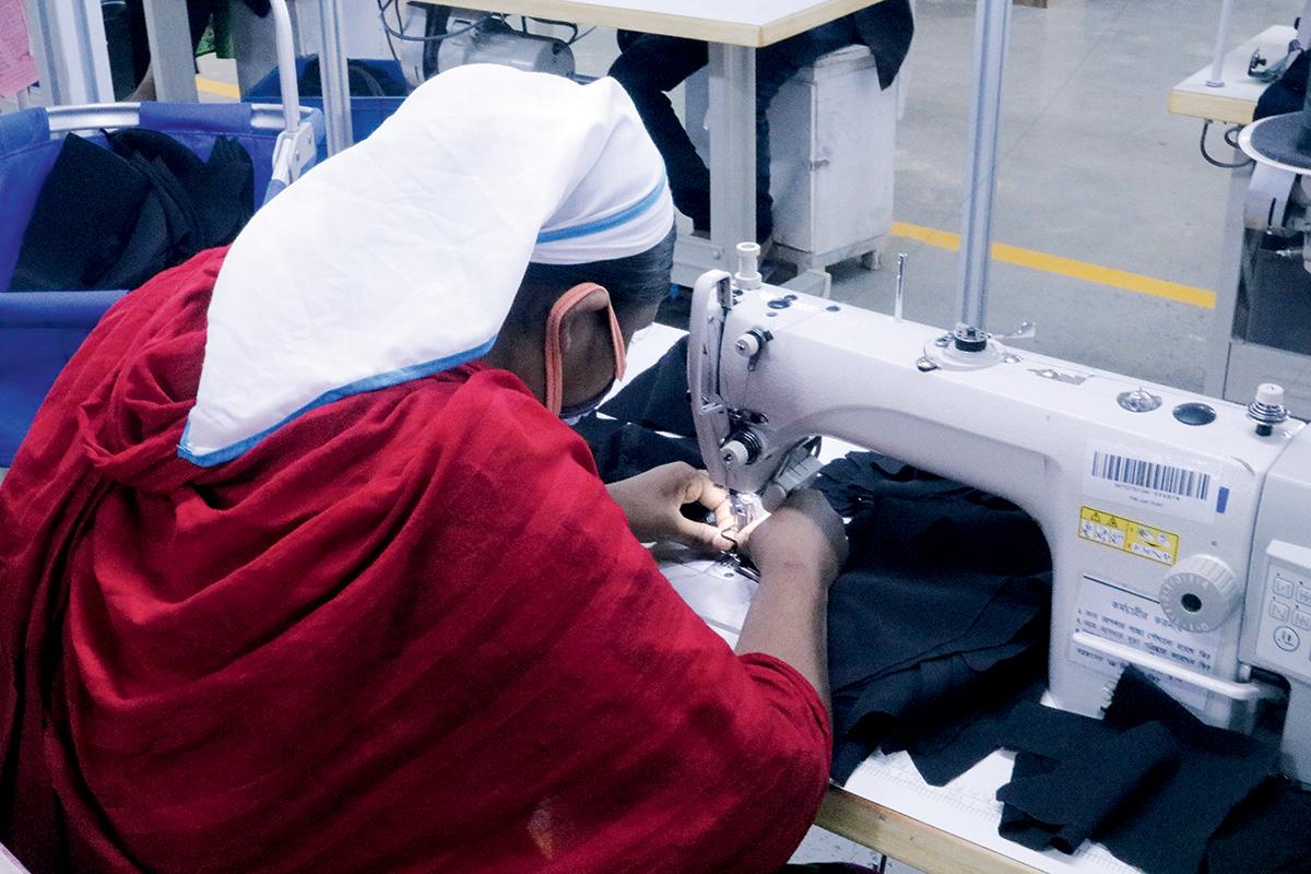 孟加拉發展製衣工業多年,當地技術工人不缺。