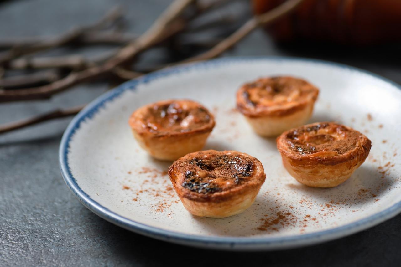 迷你葡撻仔:酥皮鬆化,撻餡幼滑,而且蛋味香濃,讓人回味無窮。