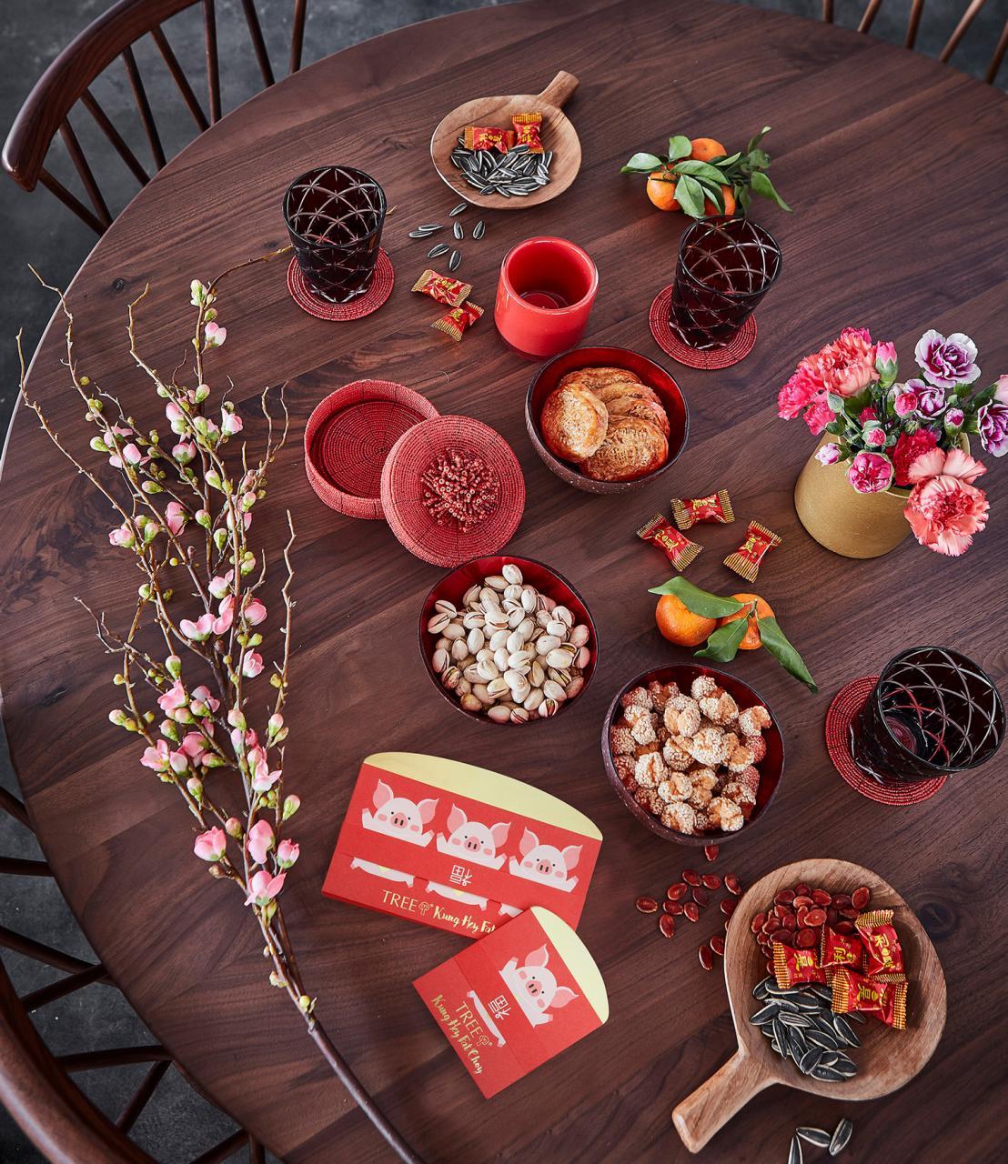 古典風的圓形餐桌