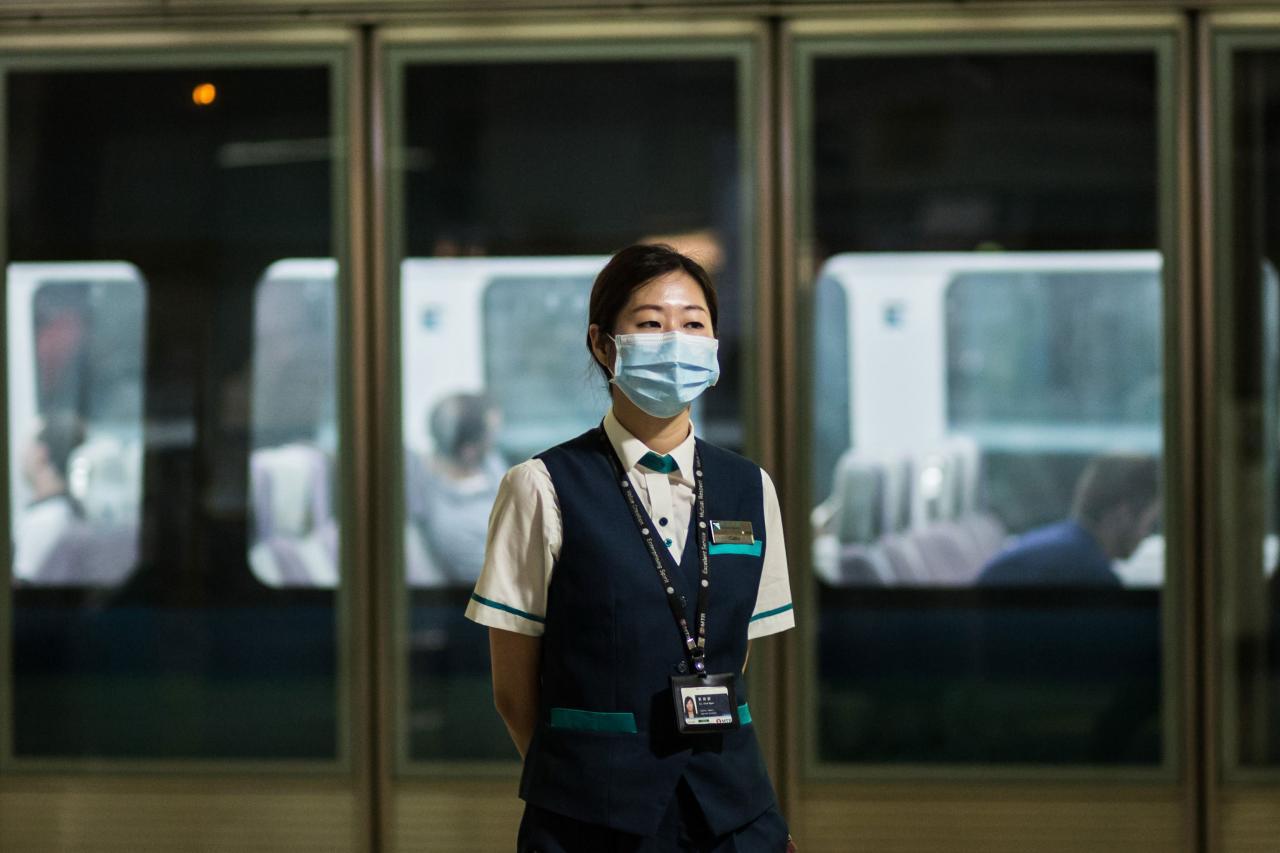 高濃度的臭氧容易引致人類因呼吸道乾燥產生「熱咳」。