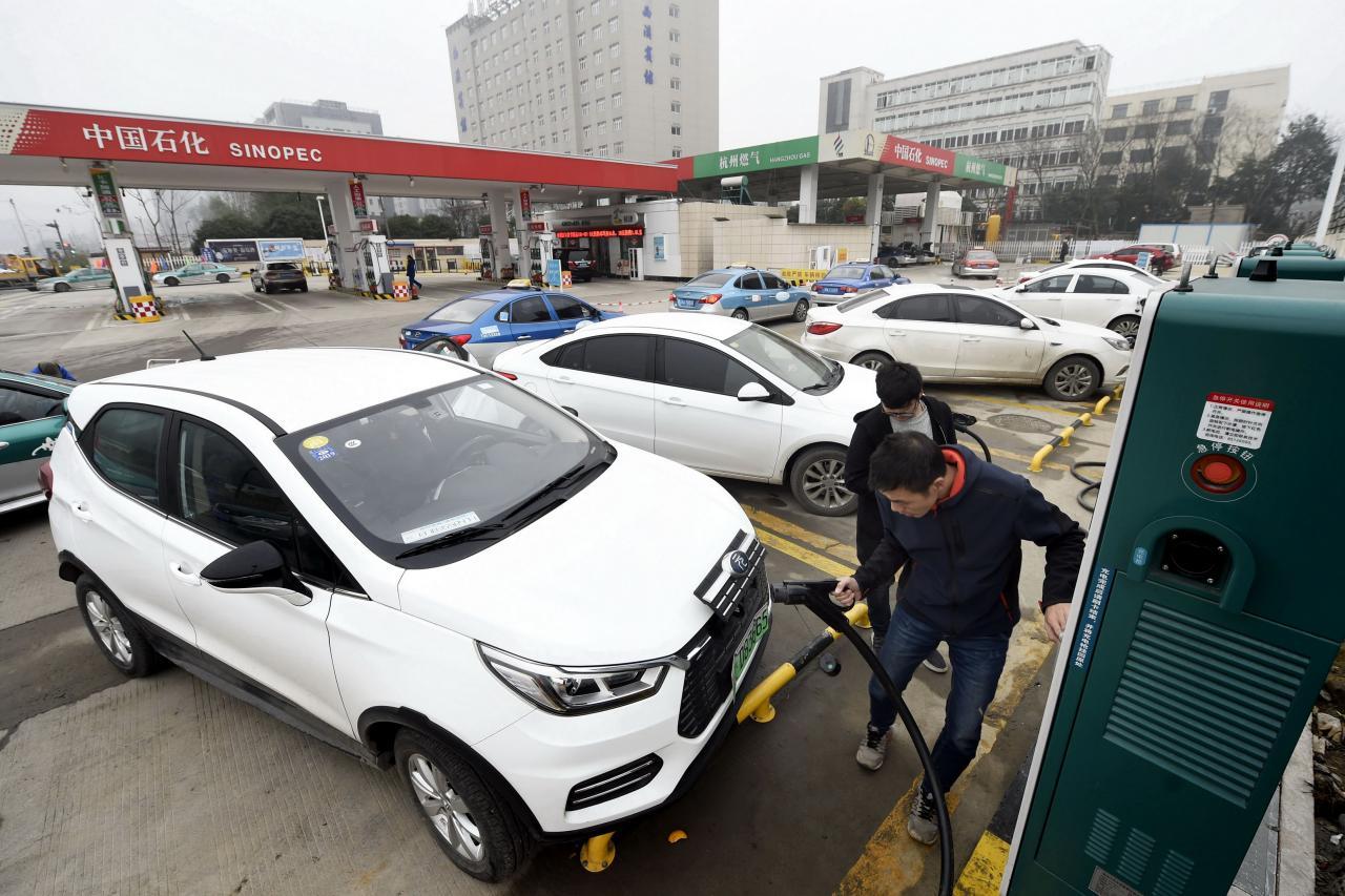 現時中國在電動車電池的研發上已超越日本。