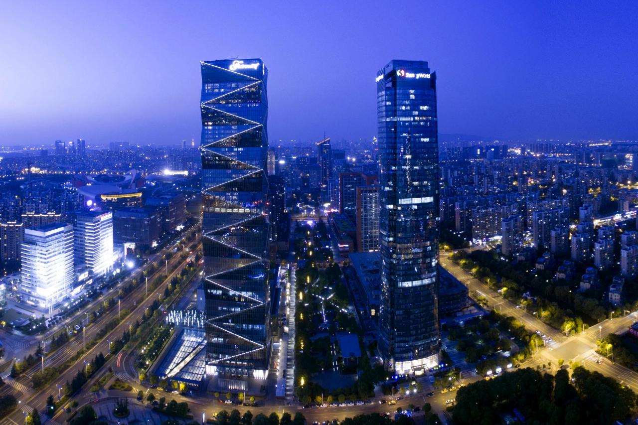 隨著內地多個城市如南京、濟南對樓市取消限價後,內房發展商3月合同銷售表現復甦。