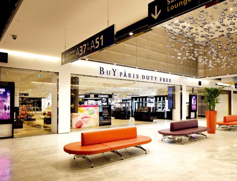 巴黎機場提供舒適的購物和休憩空間