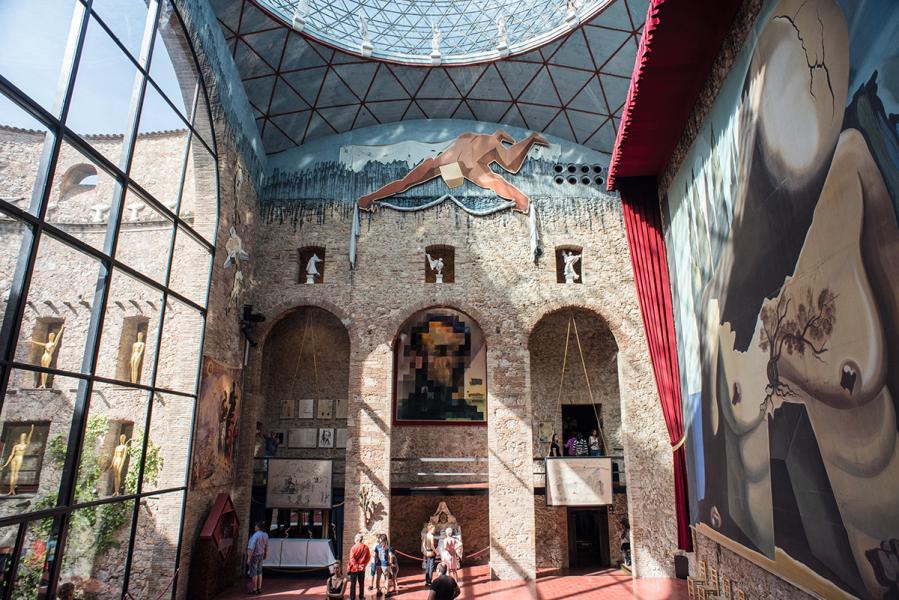 達利戲劇美術館,有不少令人驚喜的作品。