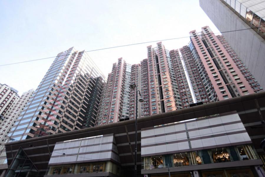 政府「加辣」後樓價不跌反升,對市場造成一定風險。