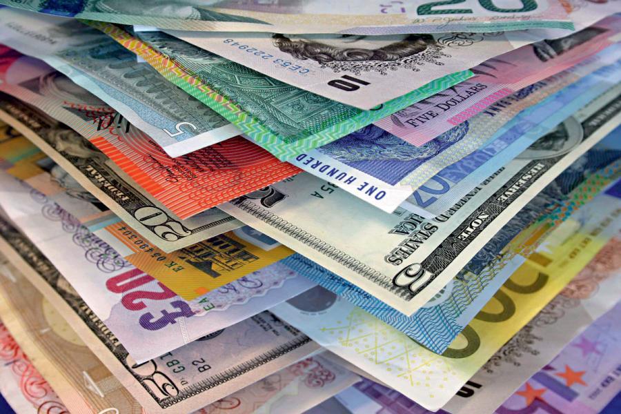 各國貨幣表現還看美元強弱。
