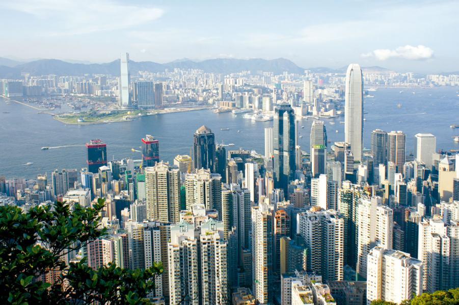 市場預料香港商業及住宅市道今年將持續暢旺。