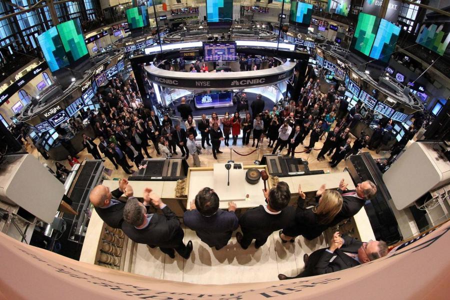 市場憧憬基建類股份可因風災而出現反彈。