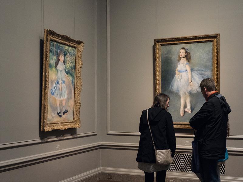 法國印象派畫家雷護瓦(Pierre-Auguste Renoir)的作品,亦很值得細看。