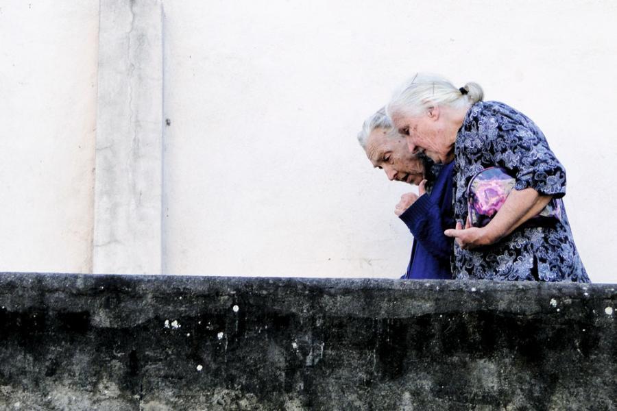 老齡化令藥品需求不斷增加。