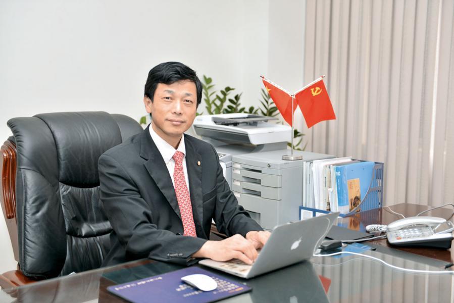 航基股份執行董事兼董事會秘書邢周金。