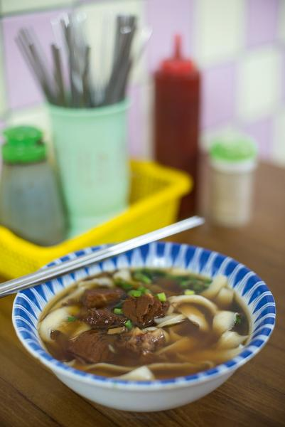高粱牛肉麵可在山下鎮品嘗得到,肉香麵也好吃。